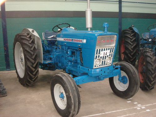 Ford-4000-photo-2
