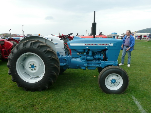 Ford-4000-photo-6