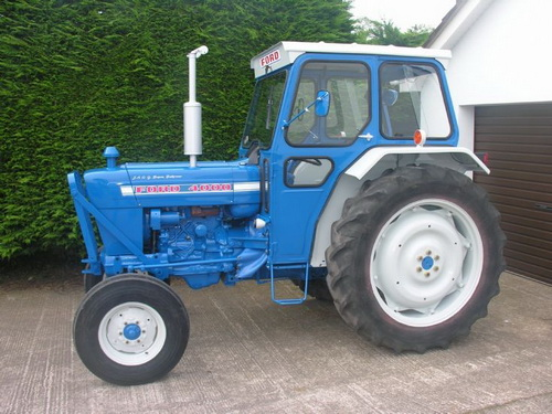Ford-4000-photo-7