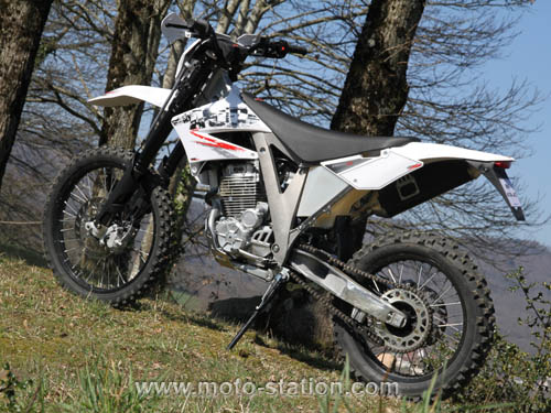 Ajp enduro photo - 3