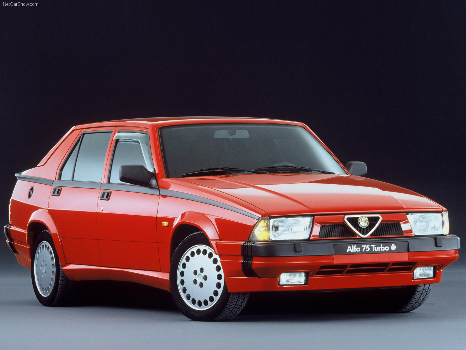 Alfa romeo 2 4 photo - 4