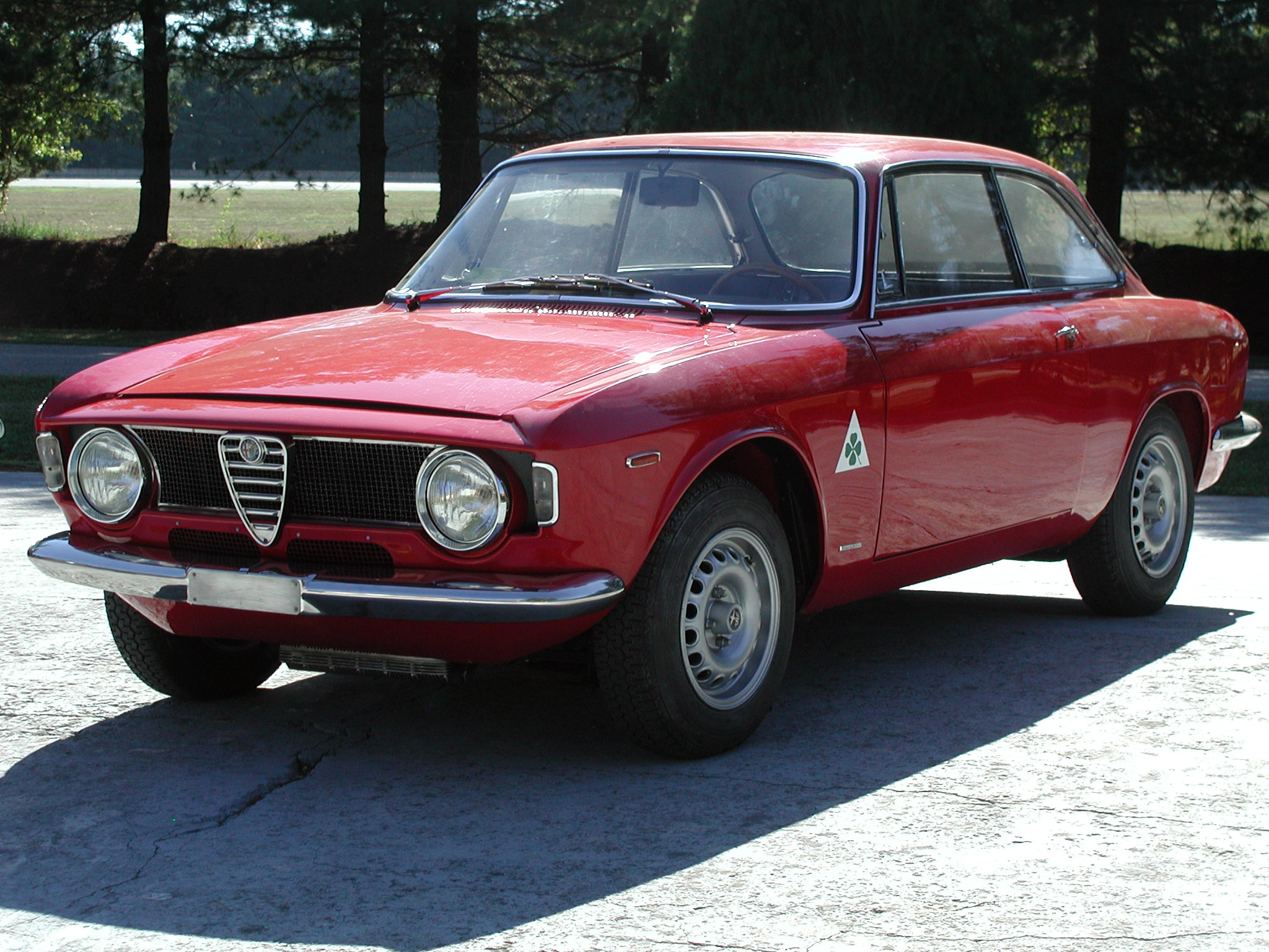 Alfa romeo 2000 photo - 2