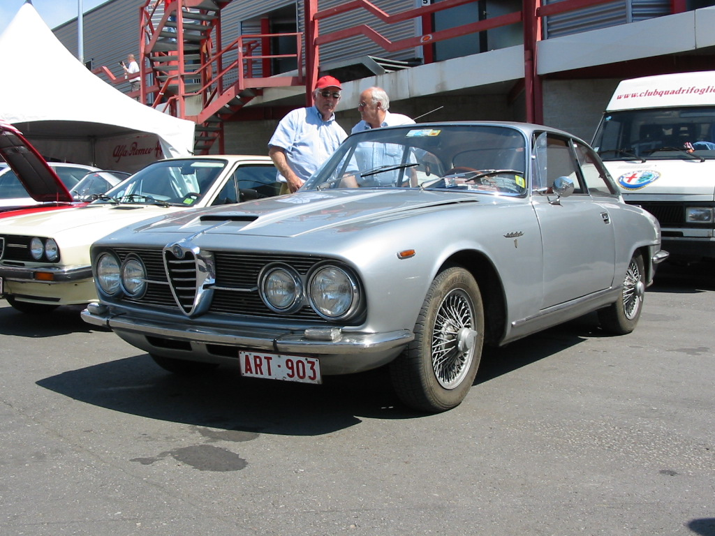 Alfa romeo 2600 photo - 1