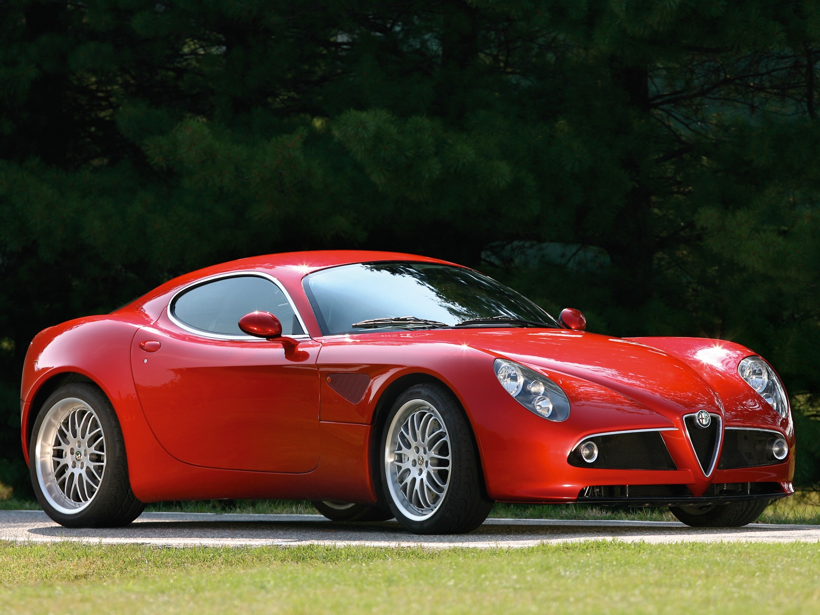 Alfa romeo 8c photo - 1
