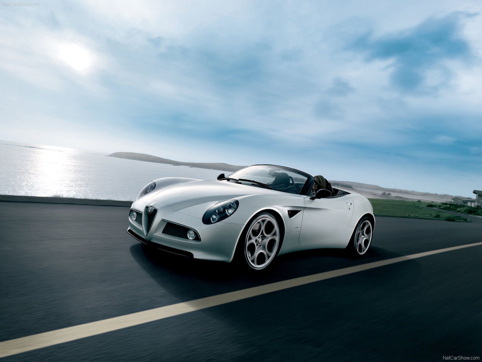 Alfa romeo 8c photo - 3