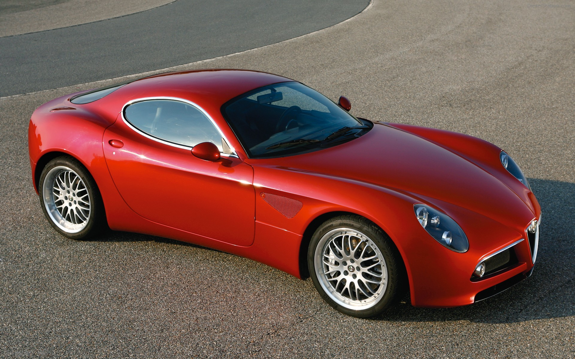 Alfa romeo 8c photo - 4