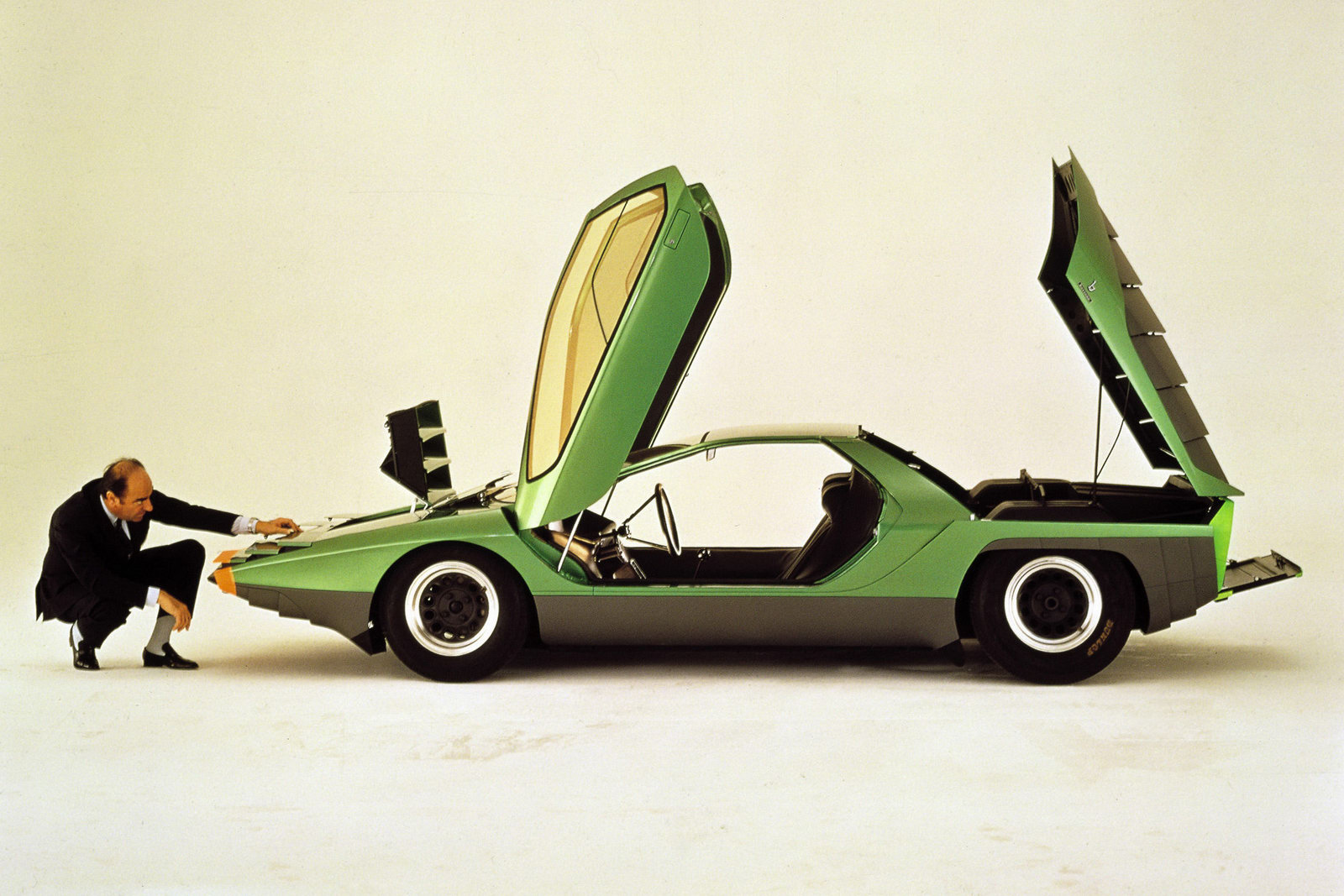 Alfa romeo carabo photo - 3