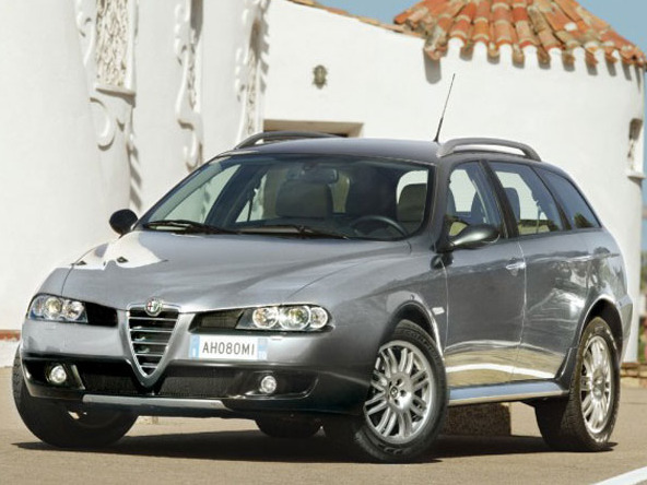 Alfa romeo crosswagon photo - 3