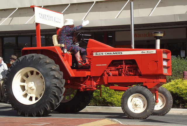 Allis-chalmers one-ninety photo - 4
