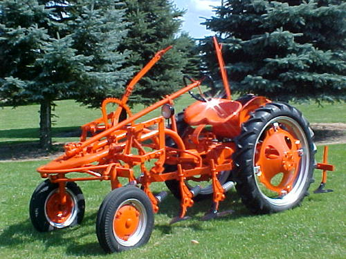 Allis-chalmers tractor photo - 4