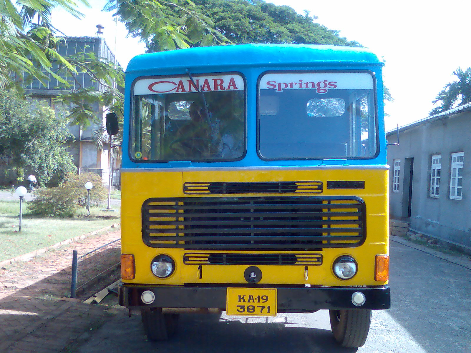 Ashok leyland comet photo - 3