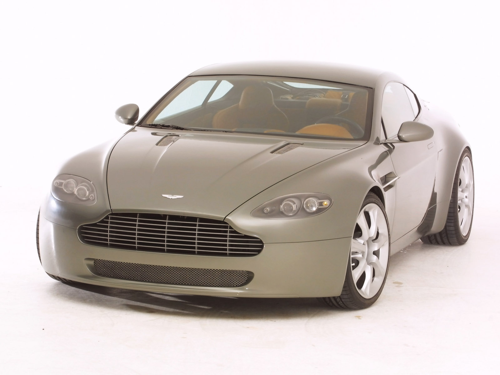 Aston martin amv8 photo - 3