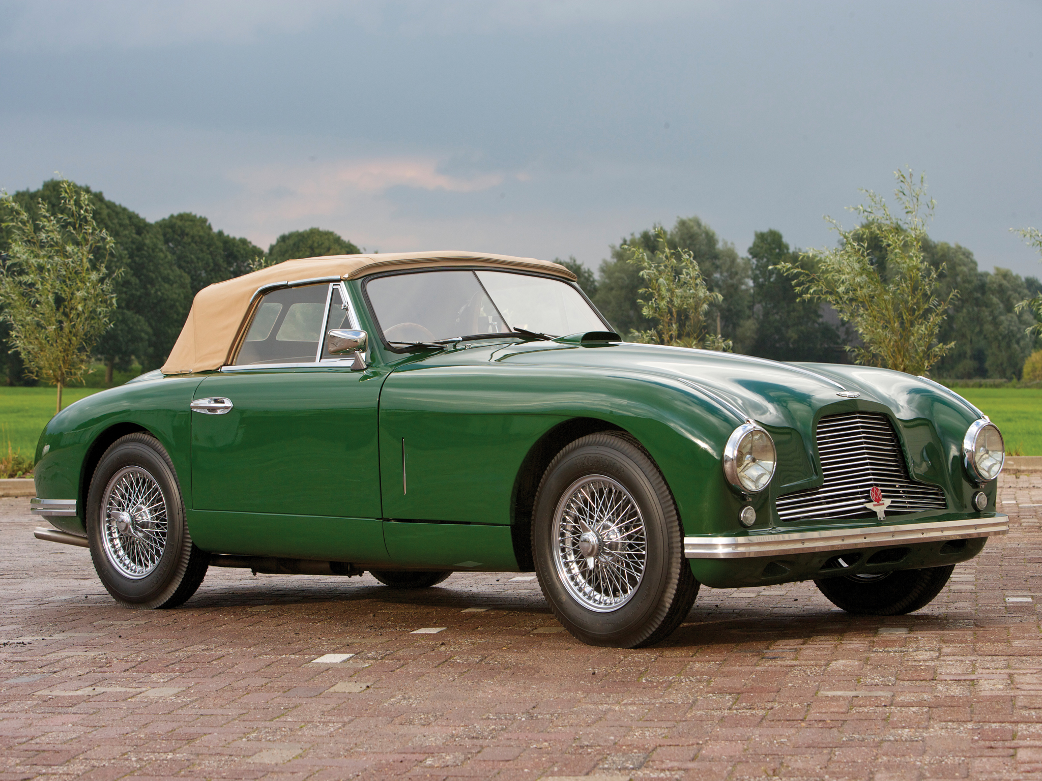 Aston martin db2 photo - 2