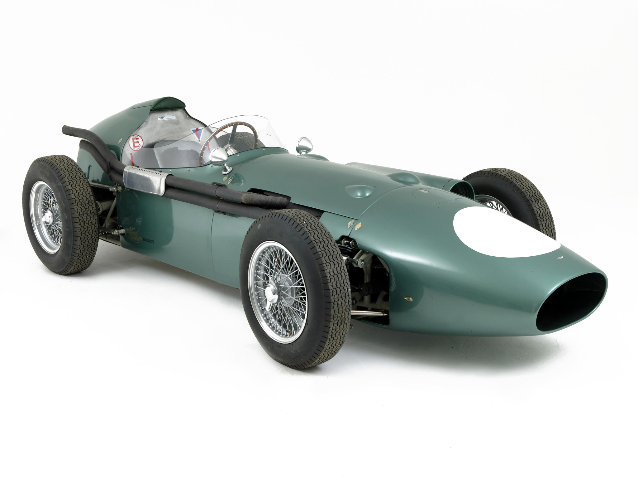 Aston martin dbr4 photo - 3