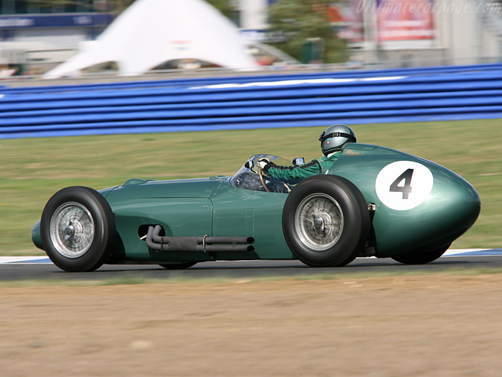 Aston martin dbr4 photo - 4