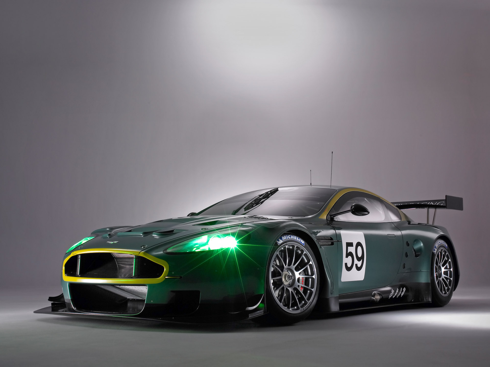 Aston martin dbr9 photo - 3
