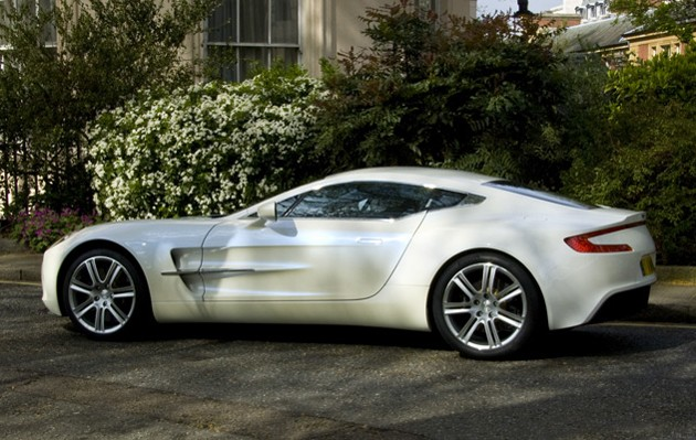 Aston martin one-77 photo - 4
