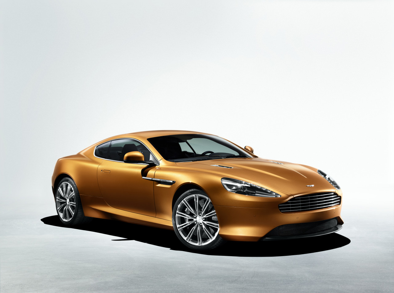 Aston martin virage photo - 3