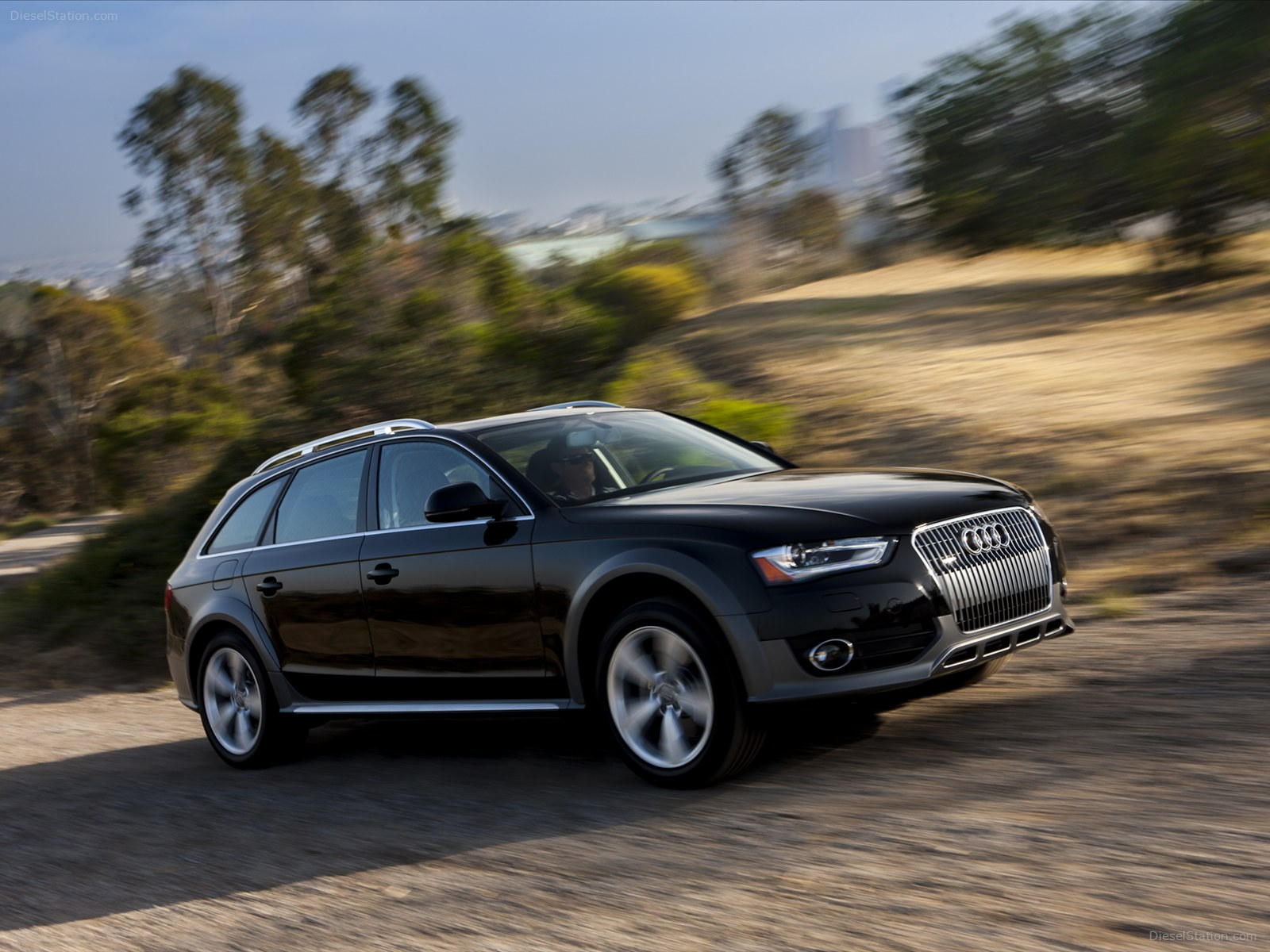 Audi allroad photo - 1