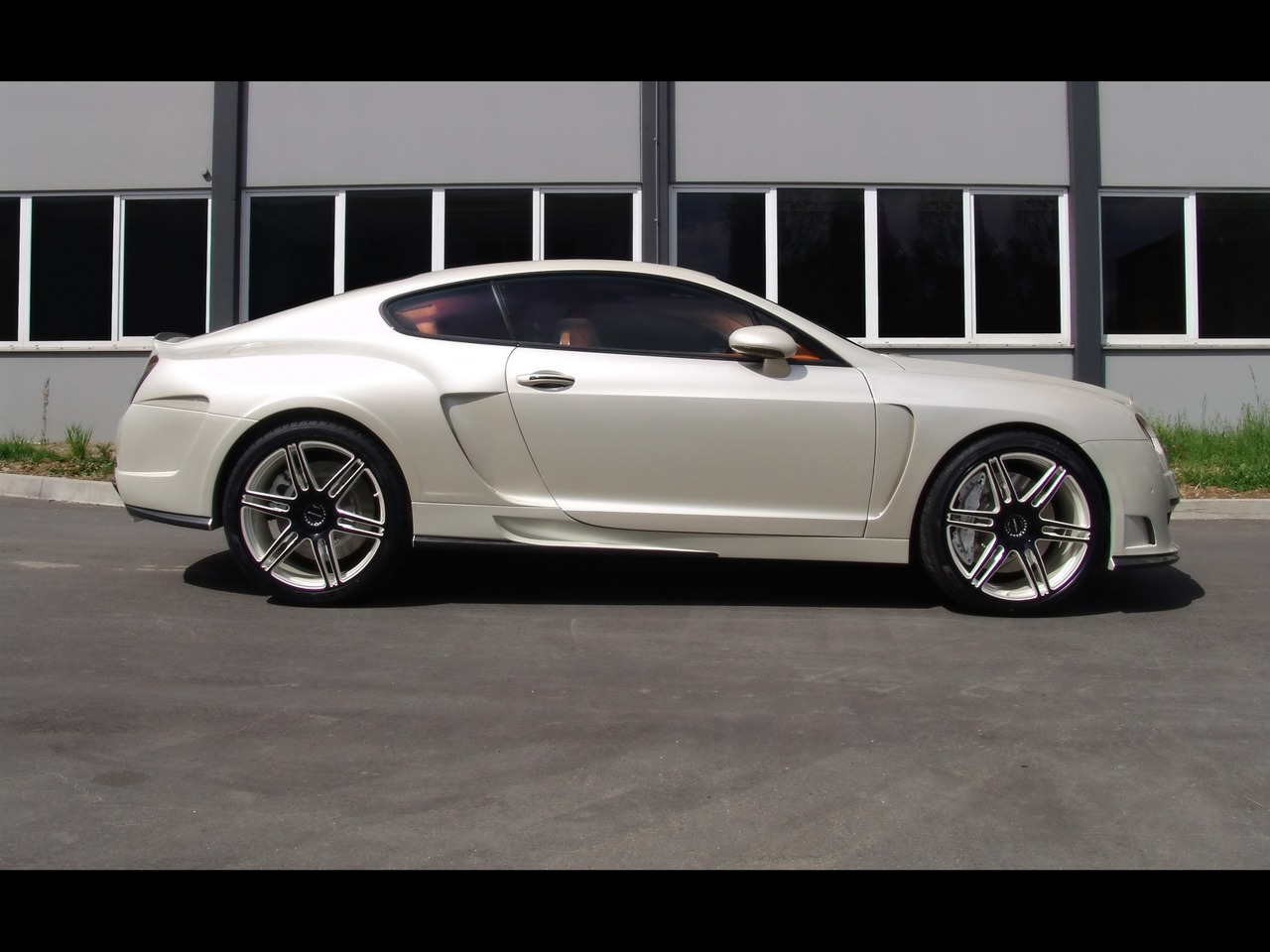 Bentley coupe photo - 4