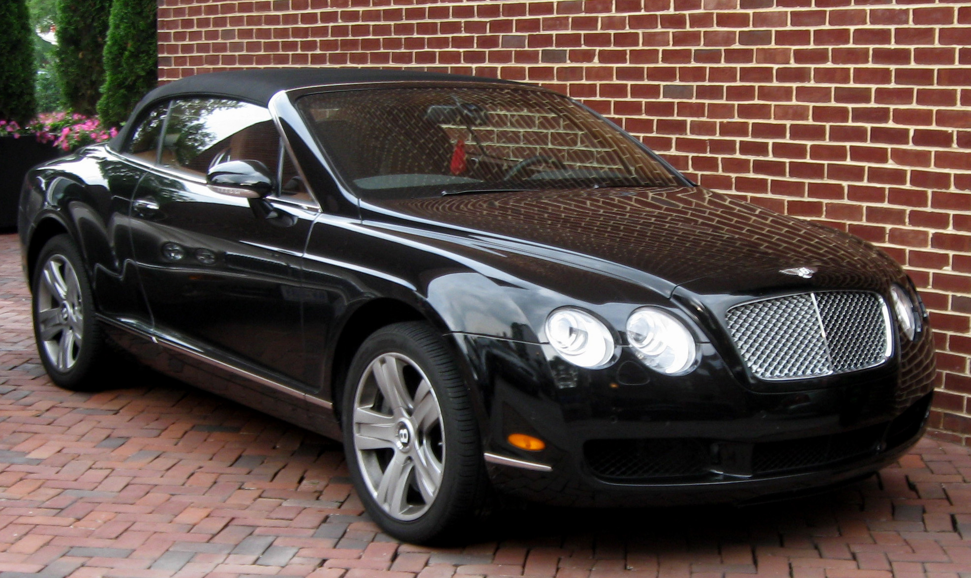 Bentley l photo - 2