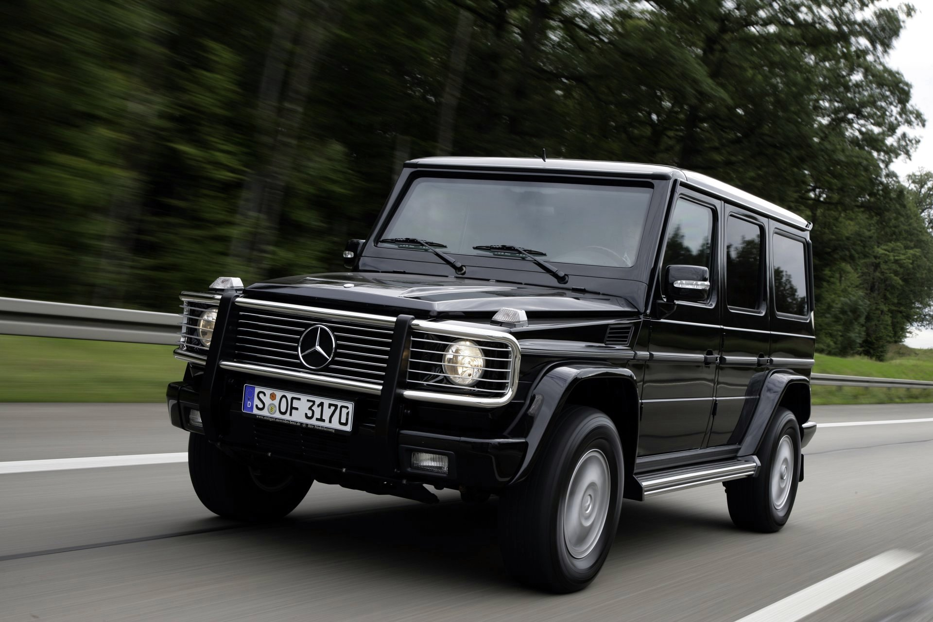 Benz car photo - 3