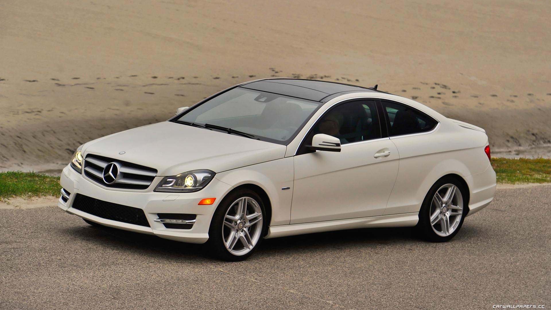 Benz coupe photo - 1