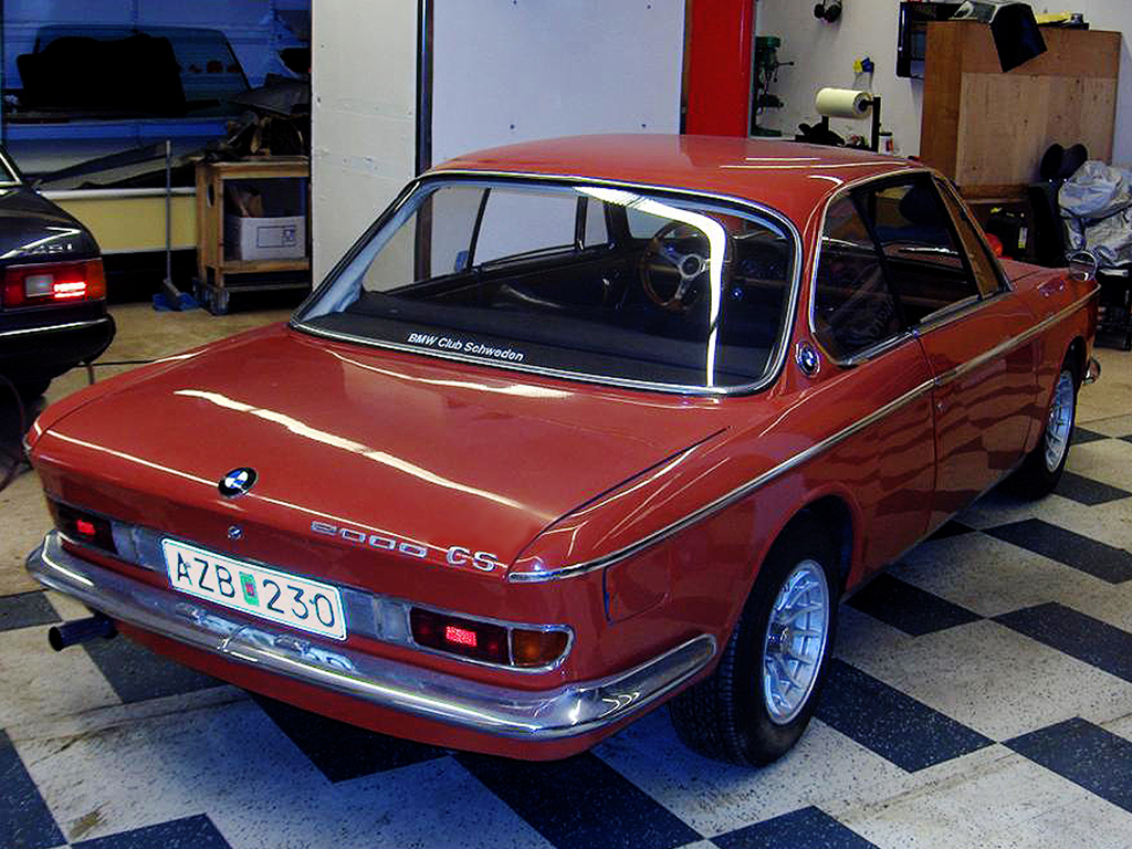 Bmw 2000cs photo - 2