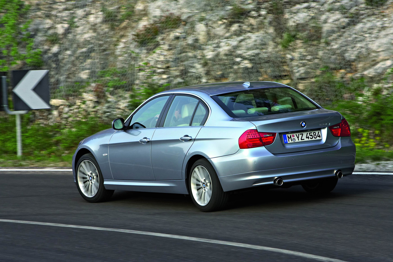 Bmw 3-series photo - 1