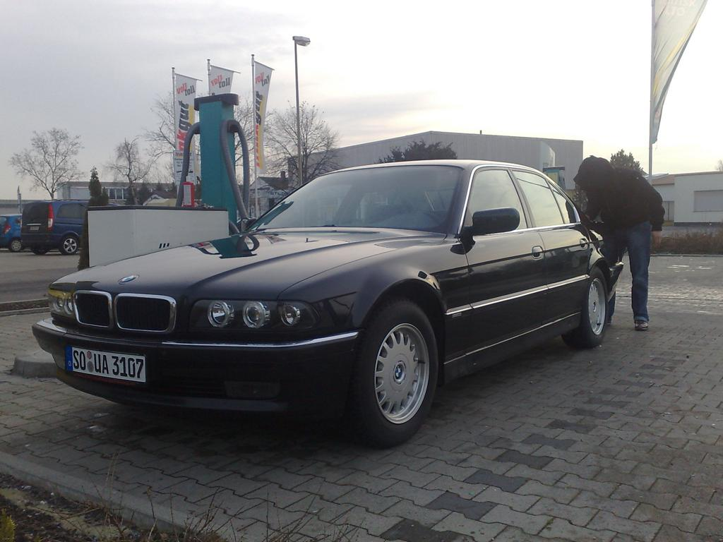 Bmw 730il photo - 2