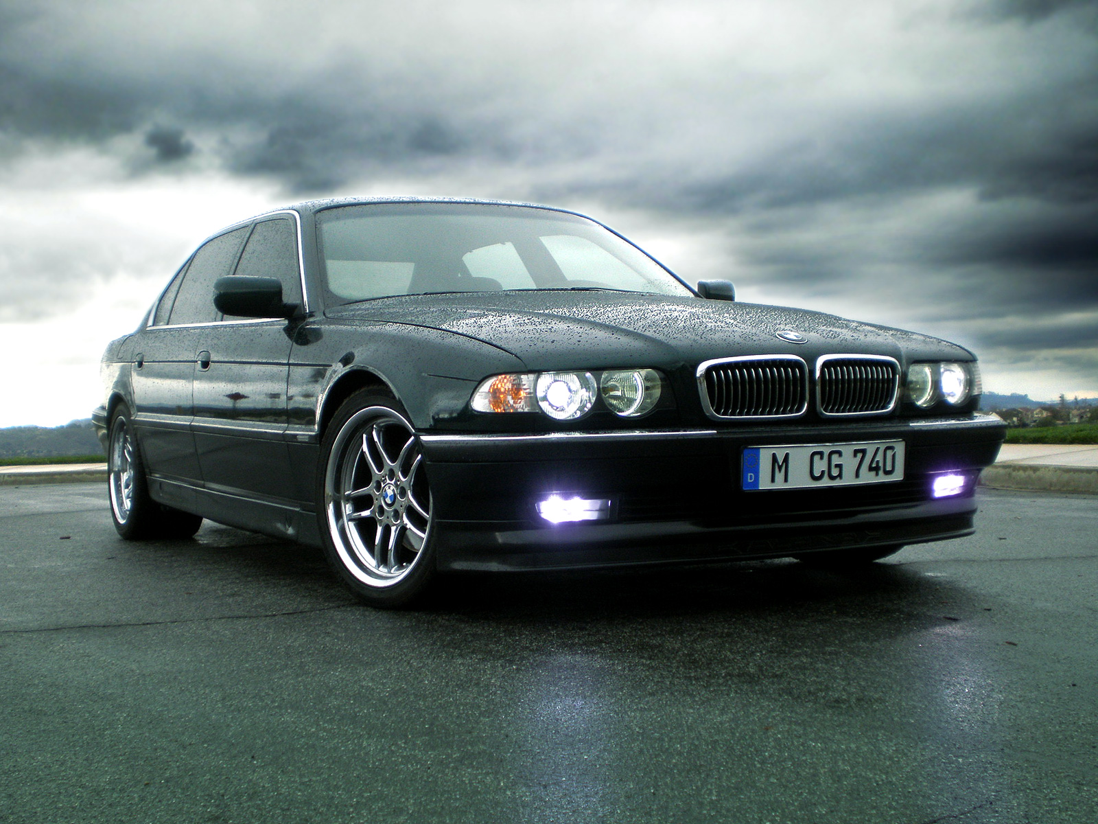 Bmw 735il photo - 1