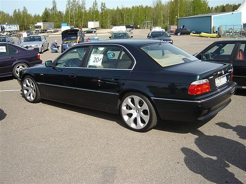 Bmw 740il photo - 4