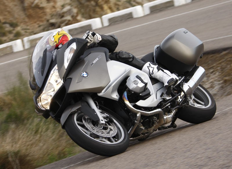 Bmw r1200rt photo - 1