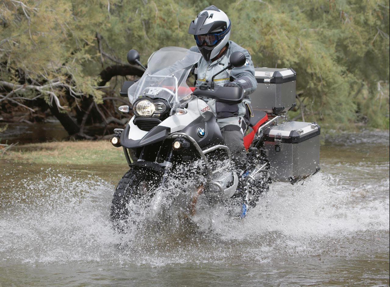 Bmw r1200st photo - 1