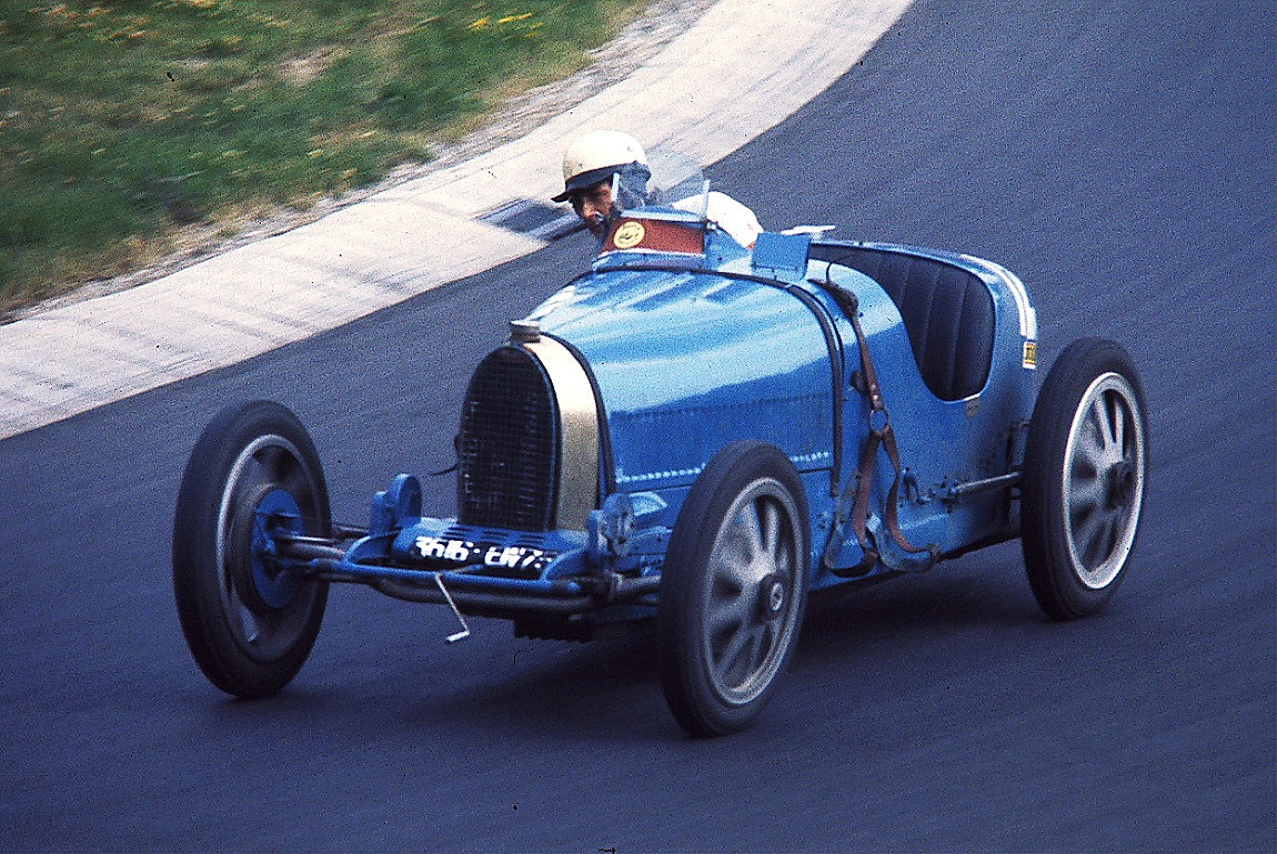 Bugatti 35 photo - 2