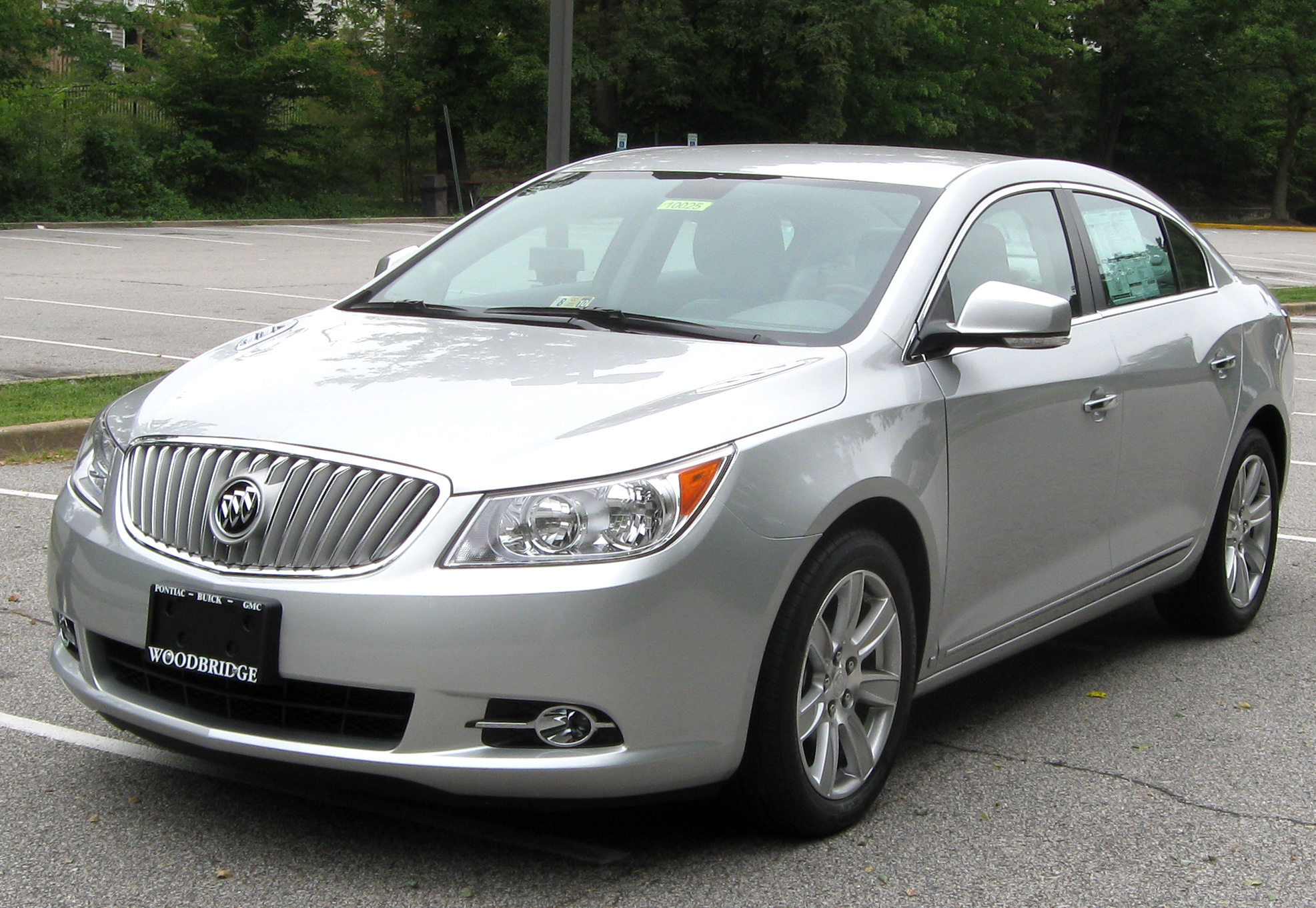 Buick lacrosse photo - 1