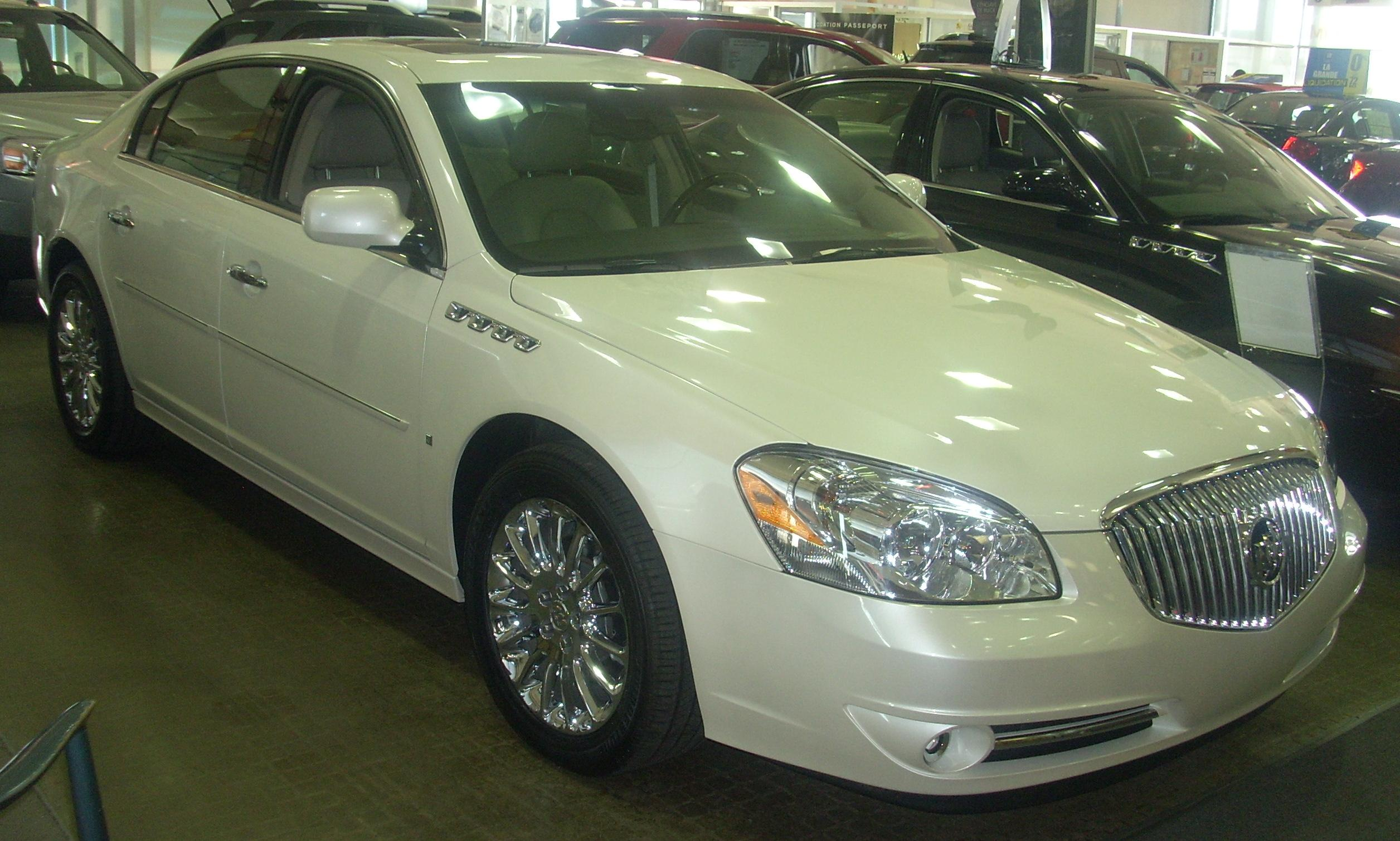 Buick lucerne photo - 2