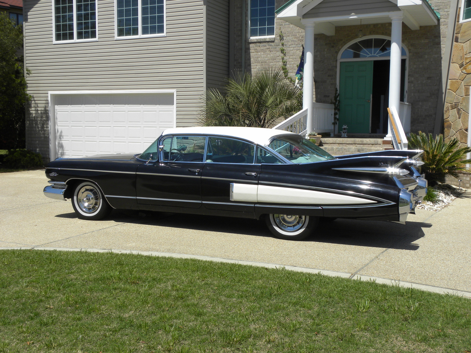 Cadillac fleetwood photo - 1
