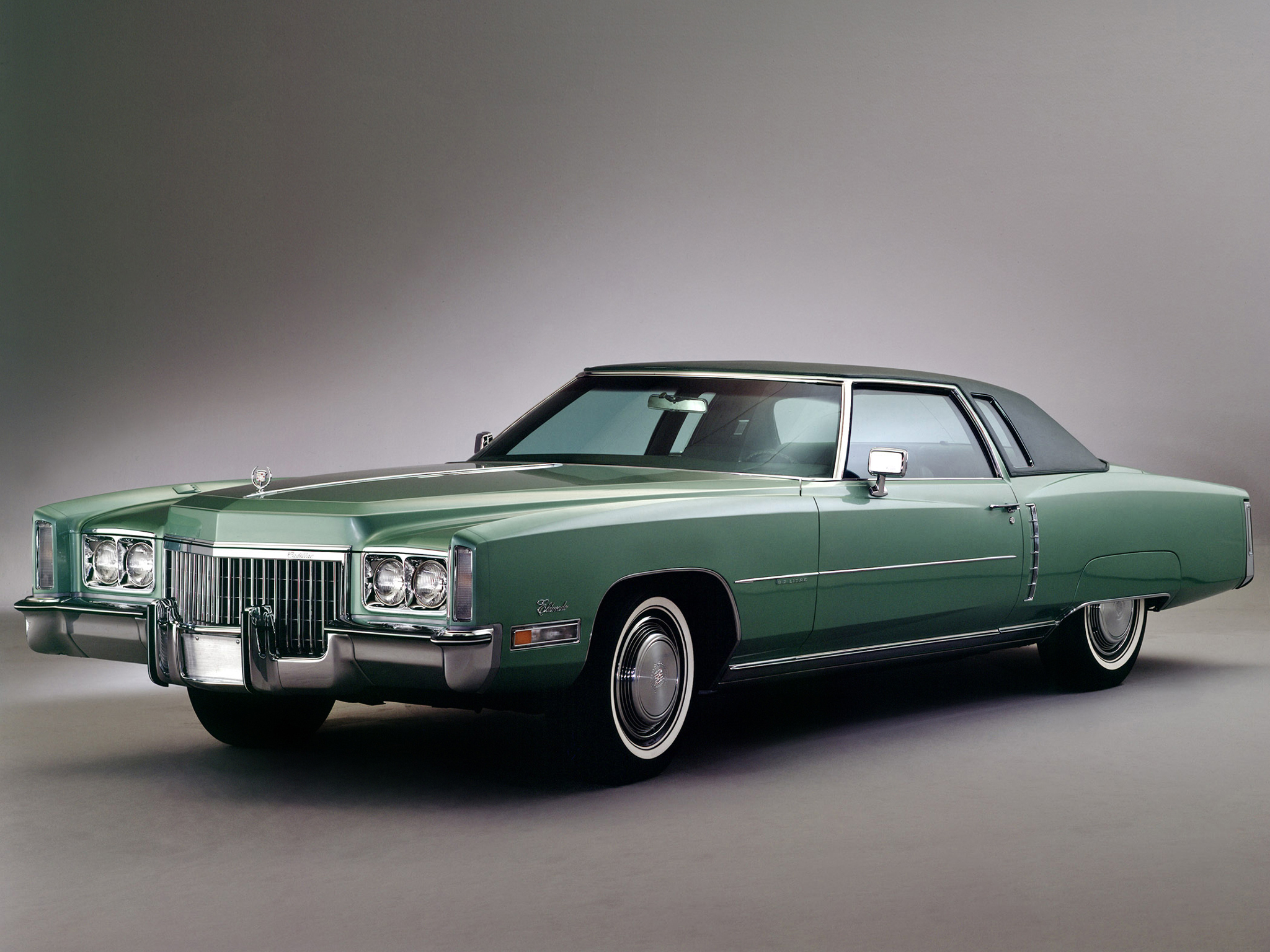 Cadillac fleetwood photo - 2