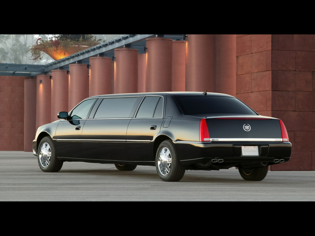Cadillac limousine photo - 4