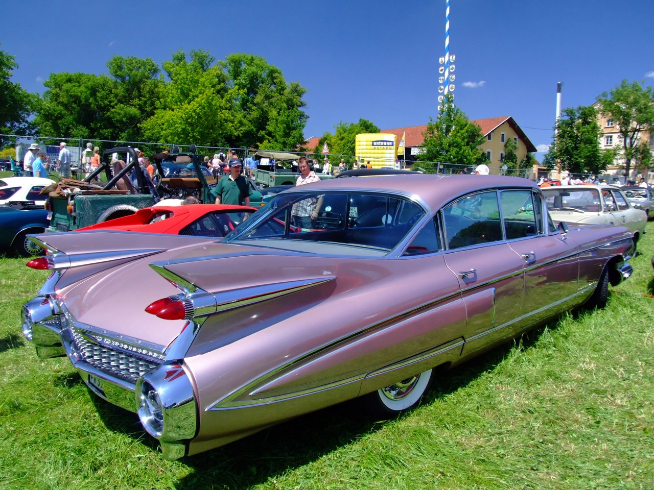 Cadillac series photo - 1