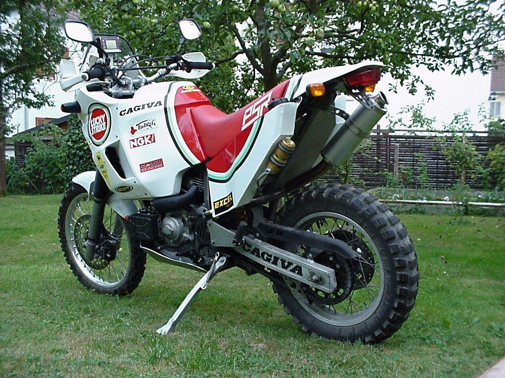 Cagiva 900 photo - 1