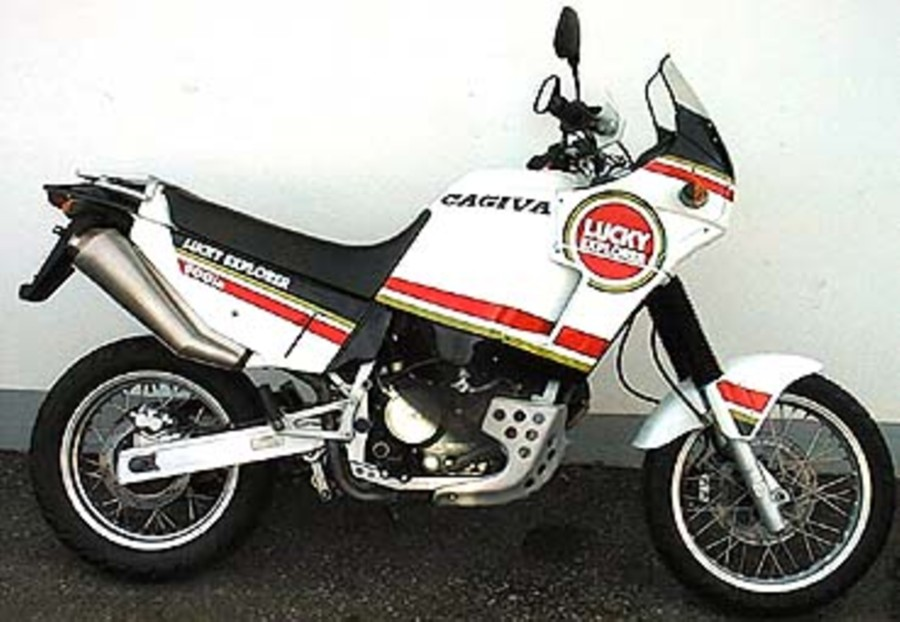 Cagiva 900 photo - 3