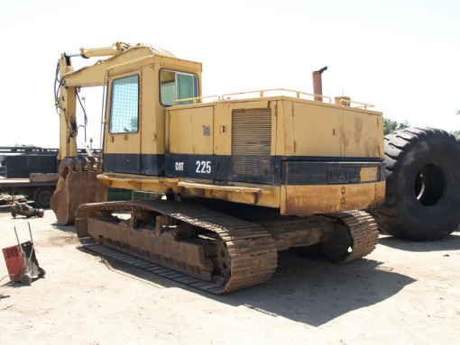 Caterpillar 225 photo - 2