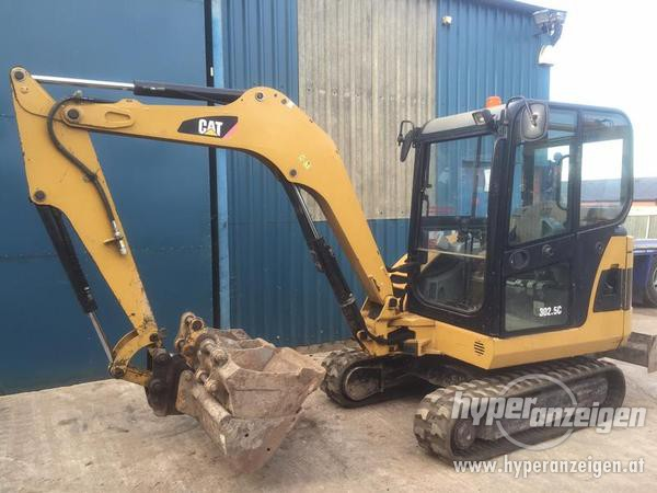 Caterpillar 302.5 photo - 1