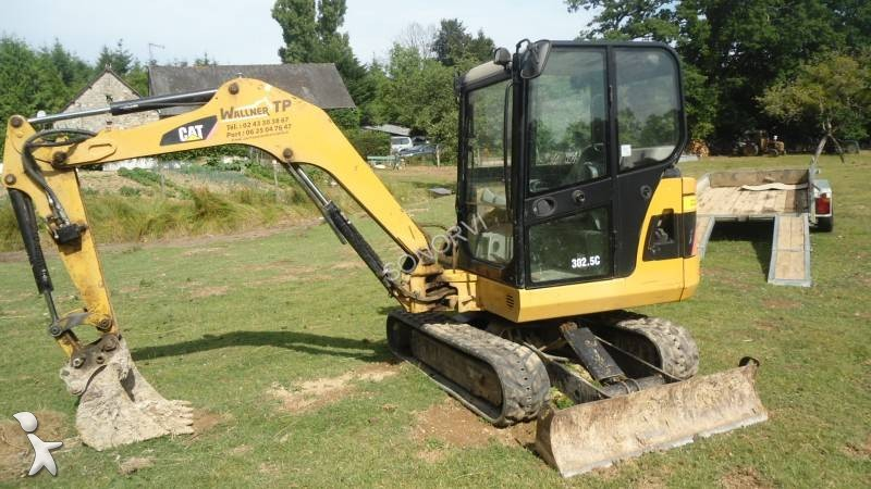 Caterpillar 302.5 photo - 2
