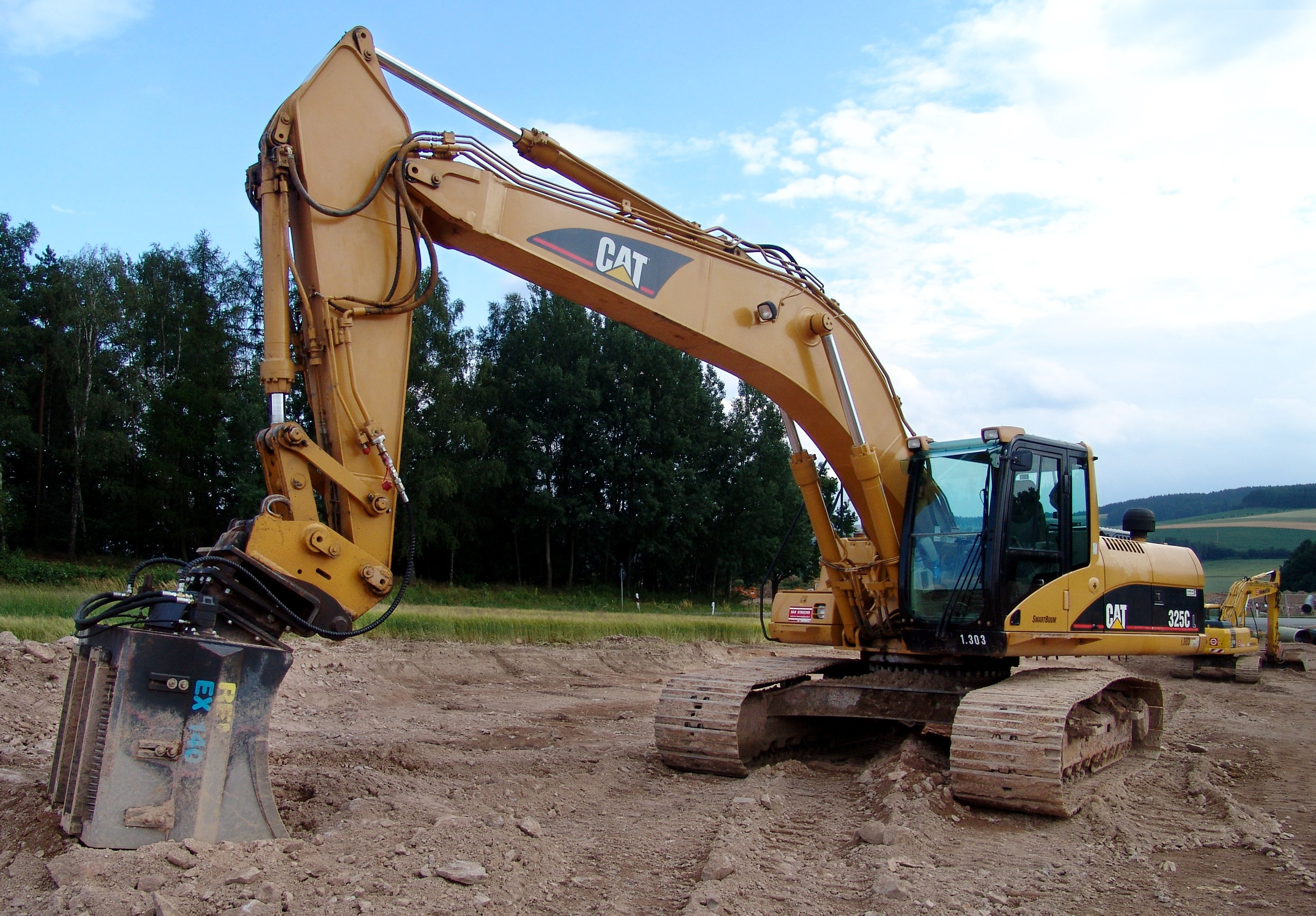 Caterpillar 325c photo - 1