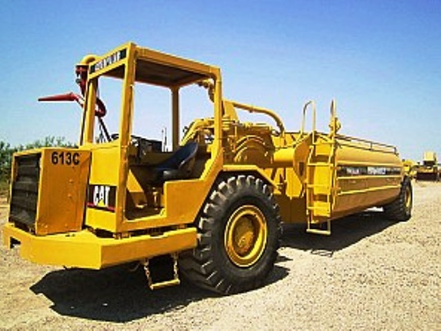 Caterpillar 613c photo - 3