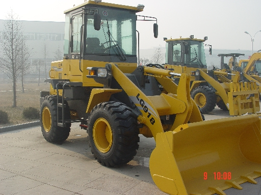 Caterpillar 918 photo - 2