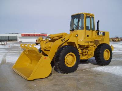 Caterpillar 936 photo - 1
